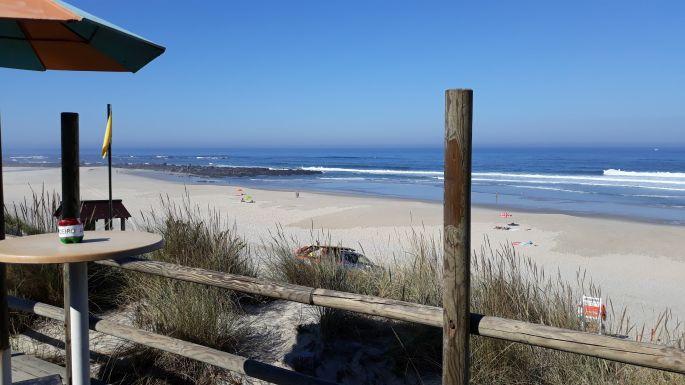 Portugál Camino Costa, óceánpart a büfé teraszáról