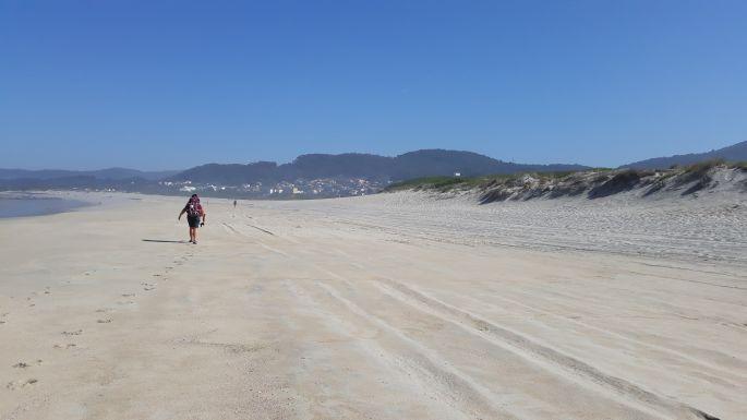 Portugál Camino Costa, gyaloglás az óceánparti homokban