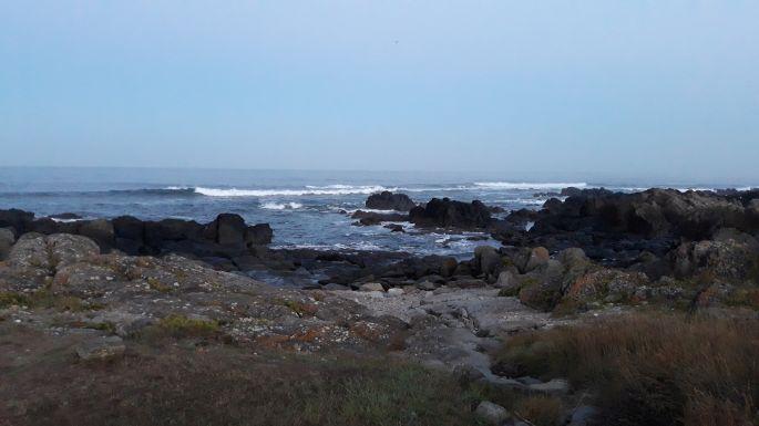 Portugál Camino Costa, az óceán reggel, itt már világosodik