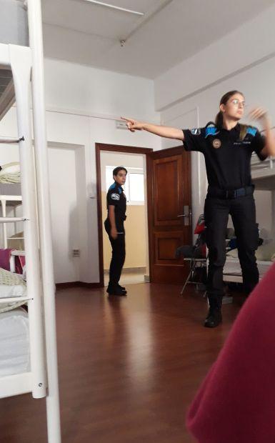 Portugál Camino Costa, A Guarda, municipal albergue és a rendőr lányok