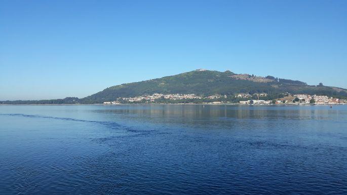 Portugál Camino Costa, átkelés komppal a Mino folyó torkolatán, az ott szemben A Guarda és Spanyolország