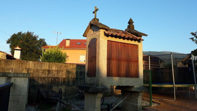 Variante Espiritual, szálloda udvarán meghagyták a gabonatárolót