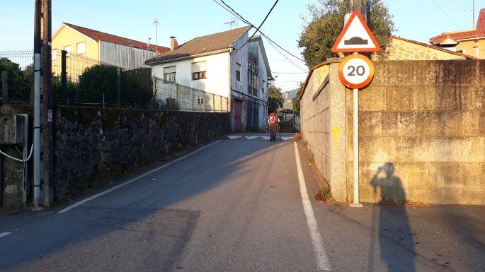Variante Espiritual, az út és a falon a sárga nyíl