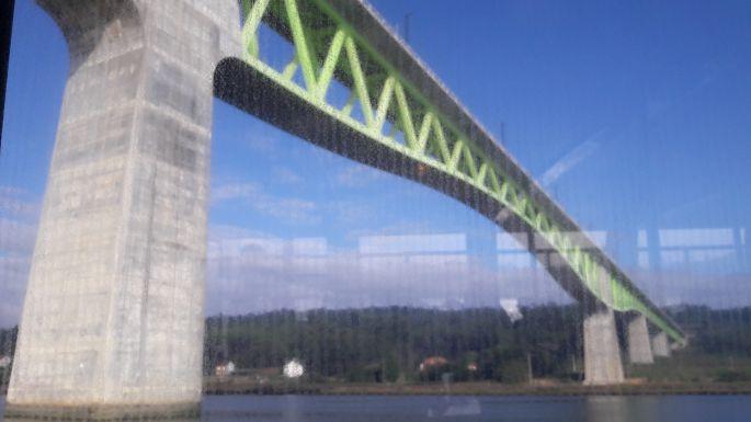 Variante Espiritual, híd a folyó felett
