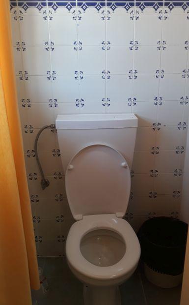 Portugál Camino, Ansiao, WC a szálláson, azulejo csempével