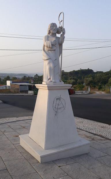 Portugál camino, zarándokszobor