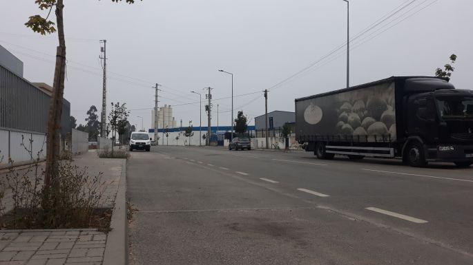 Portugál camino, pihenő az ipari övezetben