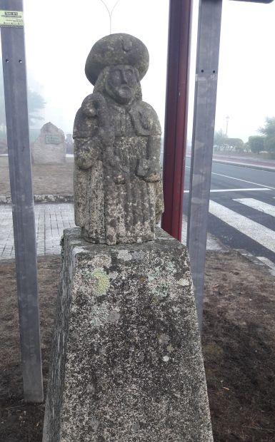 El Camino, Muxia és Szent Jakab szobra a reggeli a ködben