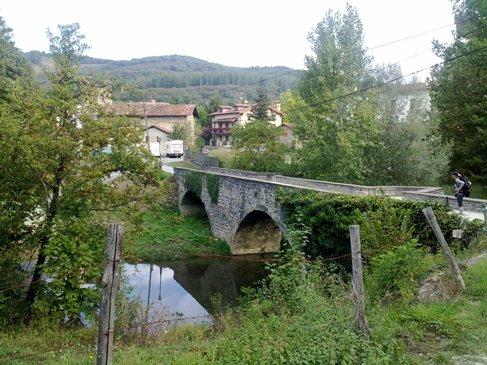 El Camino hid a Rio Arga.jpg
