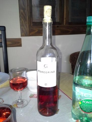 Ez itt nem fantázia, hanem kőkemény realizmus. Stílusosan Peregrino rosé, természetesen. :-) Megy a camino business Észak-Spanyolországban.
