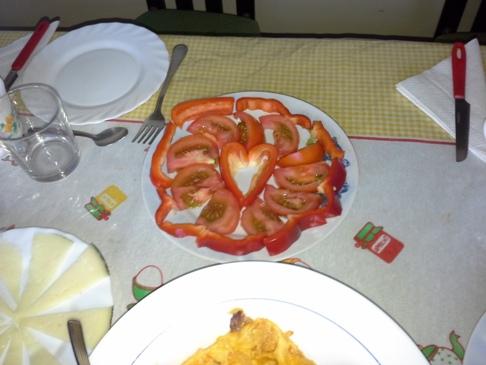 Paradicsom és paprika tál - Kristóf módra. :-)