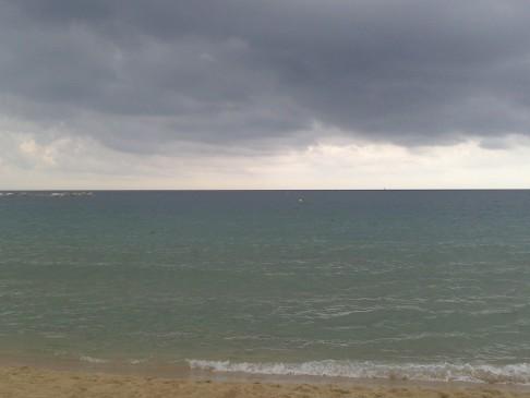 A tenger Ő maga. Még így is szép. :-)