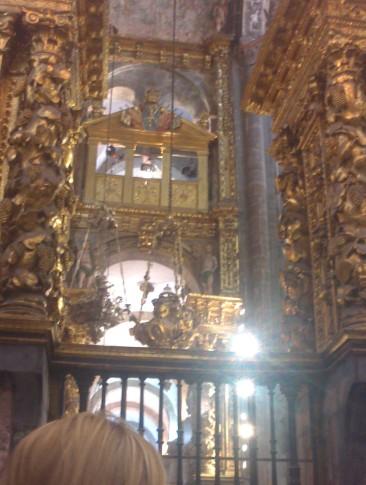 Csodás arany díszes katedrális.