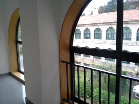 Kilátás a belső kertre.