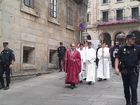 Sorban jönnek a magas rangú egyházfők.