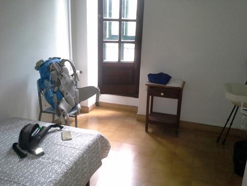 Szeparált szoba a Seminario Menor alberguében.