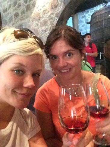 Britta és Carolin pacheránozik :-)