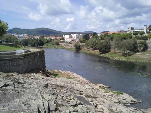 Rio Cávado a hídról.