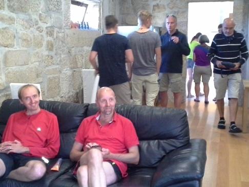 Dominik és Nicolas, háttérben Jonathan és két fia.