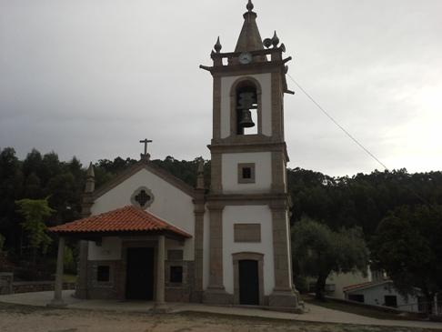 Az albergue melletti templom.
