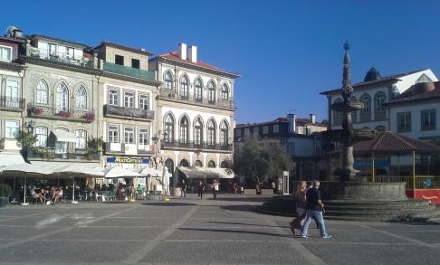 Szép kis tér Ponte de Lima központjában.