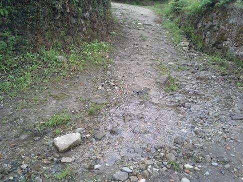 Vízátfolyások nehezítették a járást.