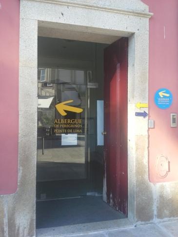 Az albergue bejárata, amit nem sikerült észrevennem. :-)