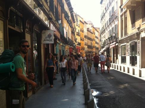 Madrid, utcakép Mátéval
