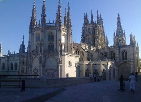 Burgos catedral back side.jpg