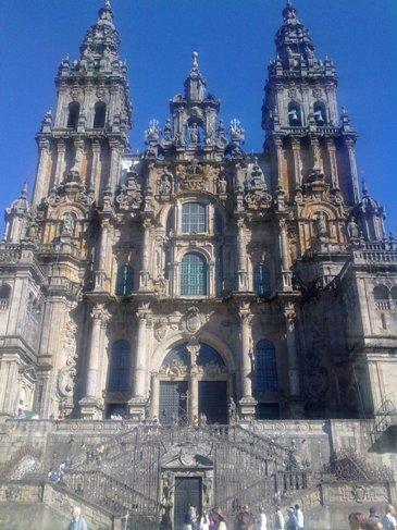 Catedral de Santiago de Compostela morning time.jpg