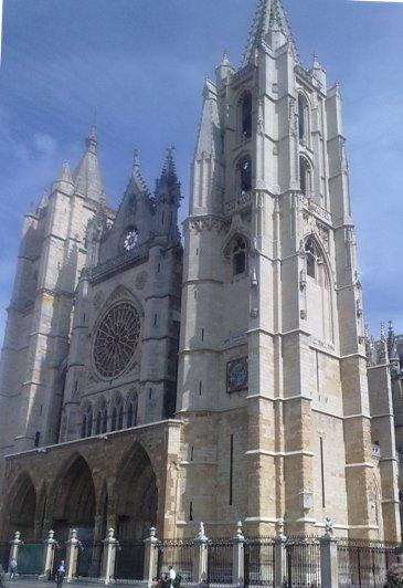 Leon Catedral de Santa Maria.jpg
