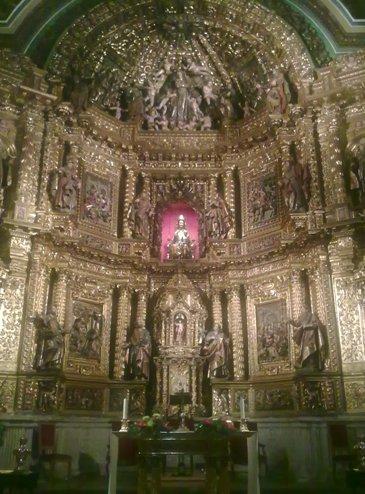 Los Arcos Iglesia de Santa Maria inside.jpg