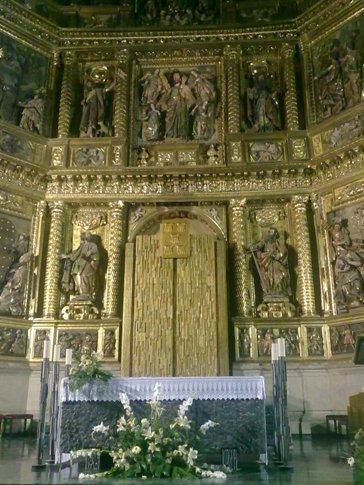 Los Arcos Iglesia de Santa Maria inside2.jpg