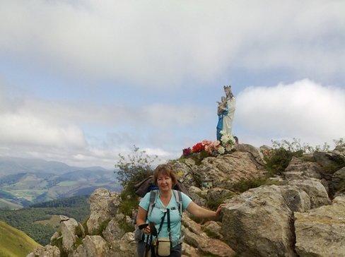 maria szobor a hegyen.jpg
