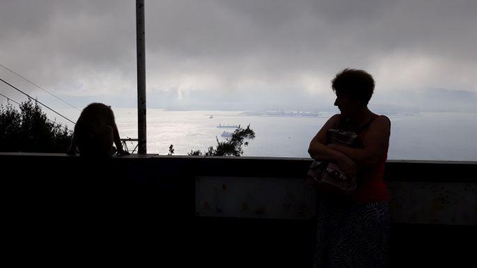 Andalúz körút, Gibraltár, szikla, majom és Andrea, aki fél :-)