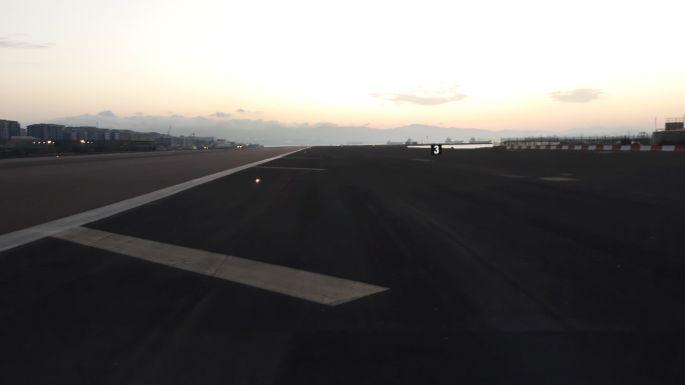 Andalúz körút, Gibraltár, repülőtér kifutópálya