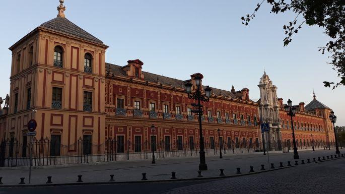 Andalúz körutazás, Sevilla, egy másik szép palota, ahol állami kormányhivatal üzemel
