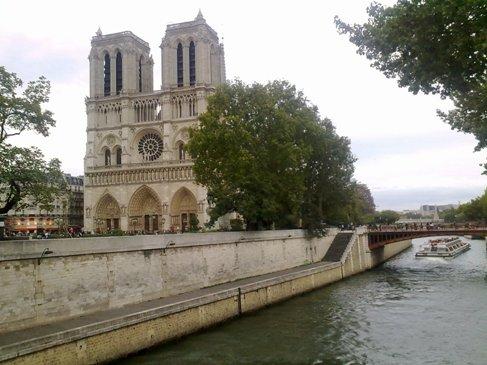 El Camino Parizs Notre Dame.jpg