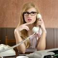 Okoskodó, műkörmös HR-es kislányok