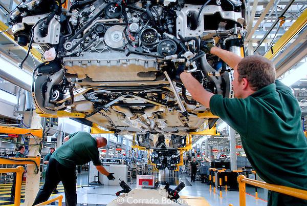 bentley-factory-crewe-05.jpg