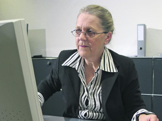 Nyugdíj melletti munka a közszférában