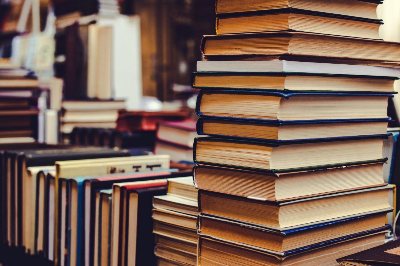 konyvek_c_artembeliaikin_books.jpg