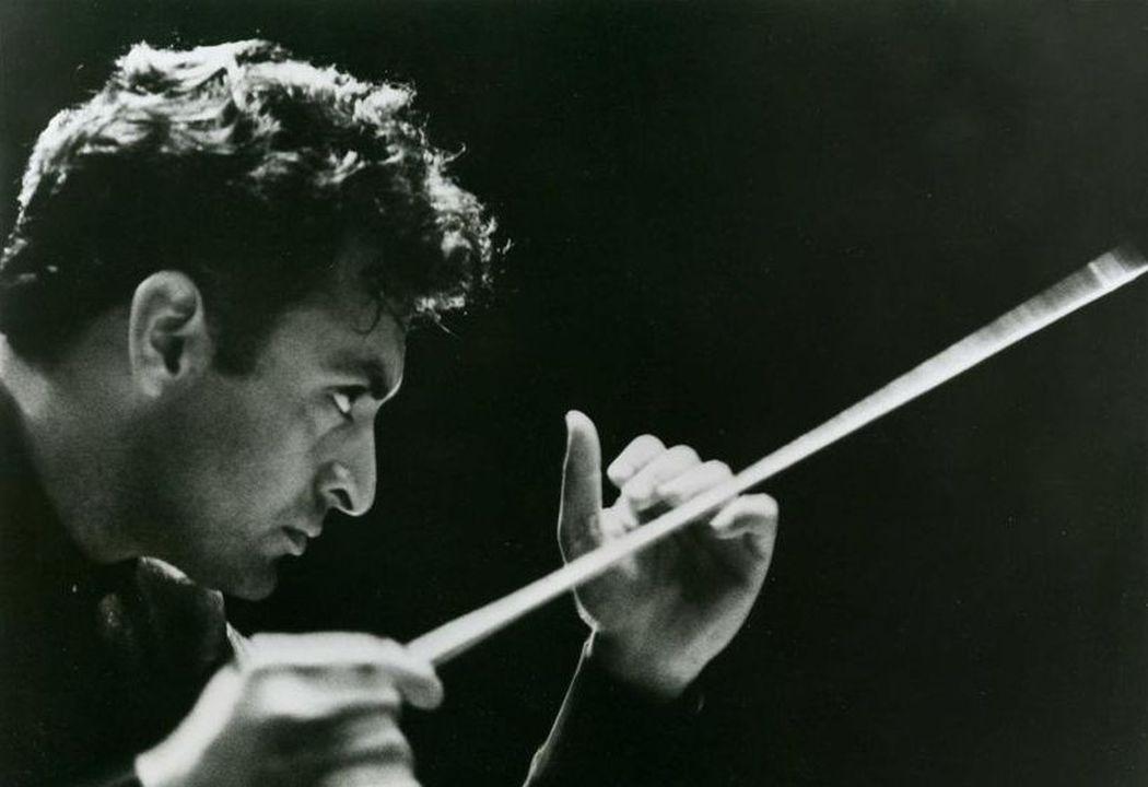 zubinmehta_losangelesphilharmonic_1963_c_la_phil_archives.jpg