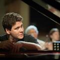 Gyenyisz Macujev ezúttal jazzel varázsol el – Miből gyűjt erőt a világhírű zongoraművész?