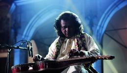 Hangolódj a koncertre! – JOY!Guru: Debashish Bhattacharya, Wojtek Traczyk, Hubert Zemler