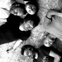 Atoms For Peace: Default (Thom Yorke, Flea és Nigel Godrich közös együttesének kislemeze)