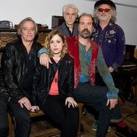 Alkalmi szupergrupp a Sleater-Kinney, a Nirvana ésazR.E.M. egykori zenészeiből