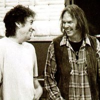 Neil Young & Crazy Horse: Twisted Road (videoklip Bob Dylan-, Roy Orbison- és Grateful Dead-képekkel)