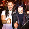 Andrew W.K. a VOLT Fesztiválon Ramones-slágereket énekel Marky Ramone zenekara élén