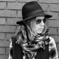 Beck: Blue Moon (az új album első kislemezdala) +további szerzemények koncertverzióban!